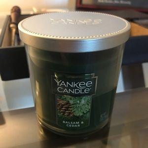 Yankee Candle Balsam & Cedar 7 oz Candle